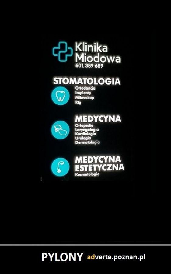 Pylony reklamowe Panelowe Poznań